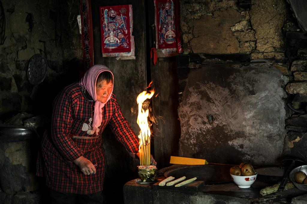 李国亮《祭灶》13403727888河南省林州市_副本.jpg